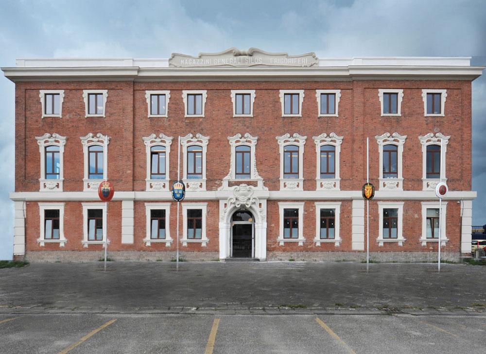Recupero Storico Magazzini Generali Porto di Napoli 1